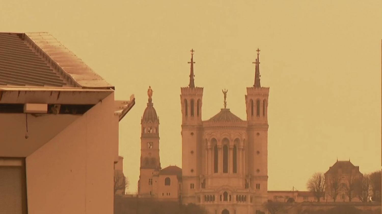 VIDEO. Météo : quand une tempête de sable colore une partie du ciel français en orange - Franceinfo