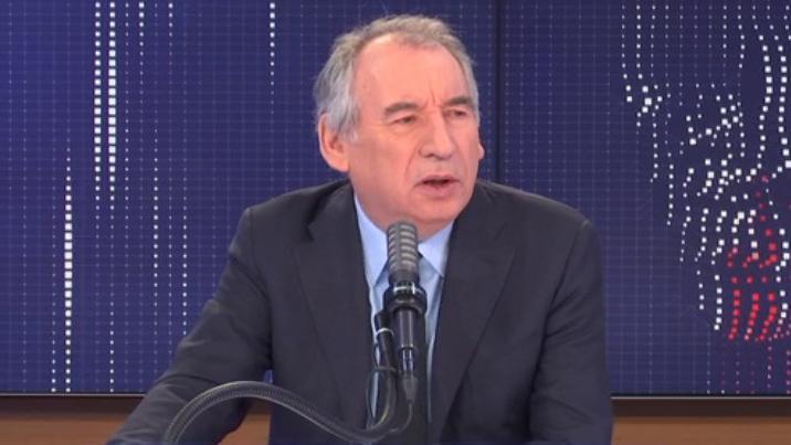 """Nouvelles restrictions, """"plan Marshall"""", proportionnelle au Parlement... Le """"8h30 franceinfo"""" de François Bayrou"""