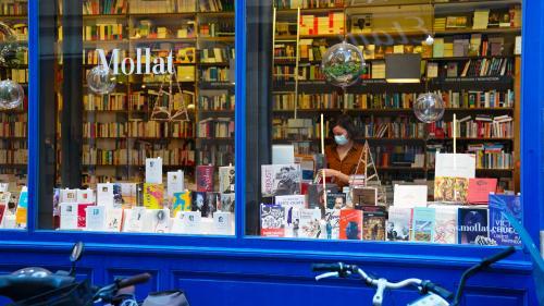 """Image de couverture - Covid-19 : les librairies classées """"commerces essentiels"""" par un décret publié au Journal officiel"""
