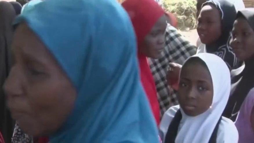 Nigéria : 317 adolescentes kidnappées par des hommes armés - Franceinfo
