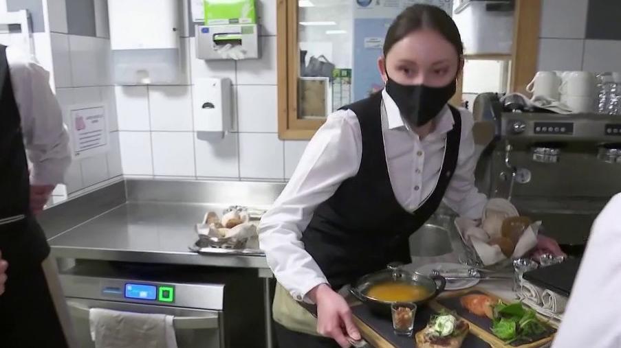 Tourisme : le casse-tête de la restauration pour les hôteliers