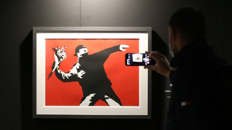 Suisse : exposition-événement du street artiste Banksy à Bâle où les musées ont rouvert - Franceinfo