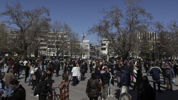 Grèce : un fort séisme fait onze blessés et endommage une centaine d'édifices