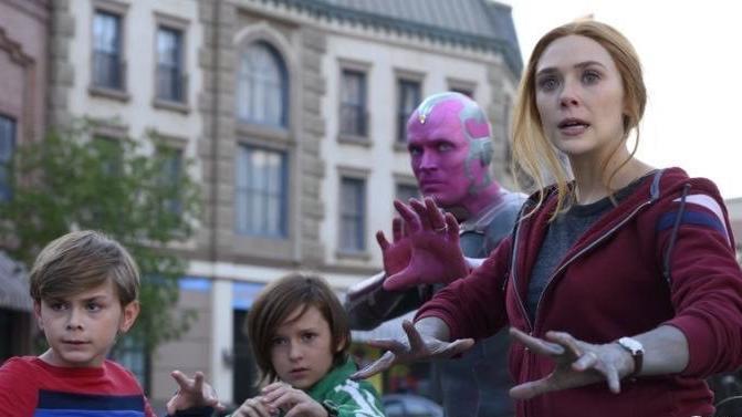 WandaVision : comment la série réveille et renouvelle les univers Marvel - franceinfo