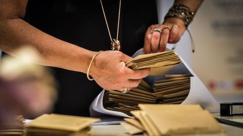 TRIBUNE. Elections régionales et départementales : 150 signataires appellent à écarter les candidats auteurs de violences faites aux femmes