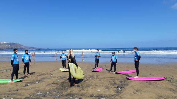 Surf lessons at Oceanside School, in Tenerife (Canary Islands) on March 30, 2021. Half of the students are now foreign teleworkers.