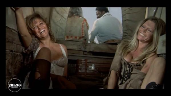 """Les deux actrices sont réunies sur une même affiche dans ce film de Christian-Jaque sorti en 1971. Deux bagarreuses rivales à l'écran, un petit peu sur le plateau, mais pas du tout dans la vie. Témoignages... Extrait du magazine """"20h30 le samedi"""" diffusé le 10 avril 2021, juste après le journal de France 2."""