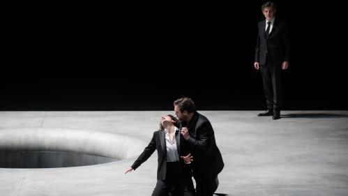 """A l'Opéra de Lille un """"Pelléas et Mélisande"""" de Debussy funèbre et touchant, avec Vannina Santoni en enfant sauvage"""