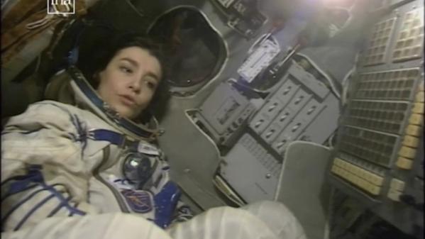 """Claudie Haigneré a été la première femme française et européenne à avoir voyagé dans l'espace. Le journal du 13 Heures de France 2 lui consacre sa rubrique """"Les battantes"""" dimanche 18 avril."""