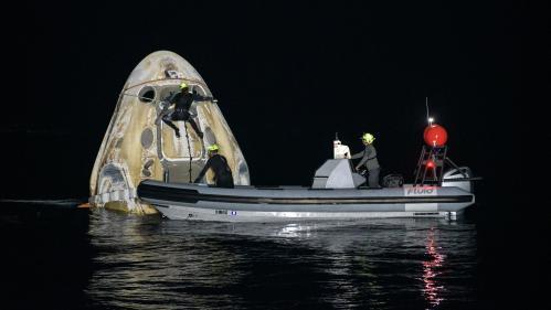 Espace : un amerrissage historique réussi pour des astronautes de l'ISS