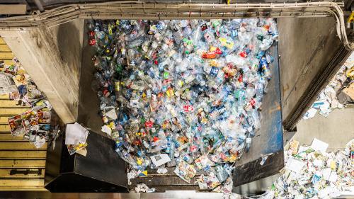 La France veut se débarrasser des emballages plastiques à usage unique d'ici 2040
