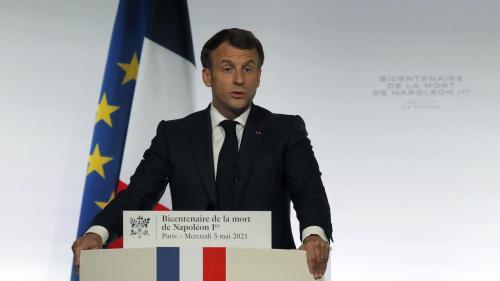 """Bicentenaire : """"Napoléon est une part de nous"""", dit Emmanuel Macron"""