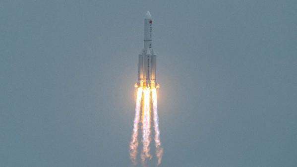 Une fusée chinoise va tomber sur Terre, mais elle représente un danger «extrêmement faible» selon Pékin