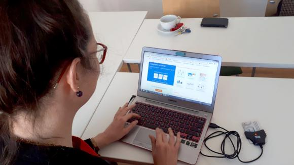 En Estonie, on vote en ligne sur Internet ou via son smartphone (illustration). Mai 2019