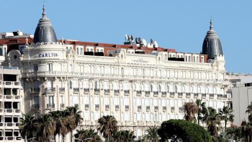 """Vente aux enchères du mobilier du Carlton: """"Acheter la commode de Grace Kelly a une valeur émotionnelle très forte"""", selon le directeur de l'hôtel"""