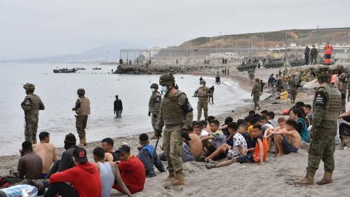 """Afflux de migrants à Ceuta : """"L'idée du Maroc, c'est de faire pression sur l'Espagne"""""""