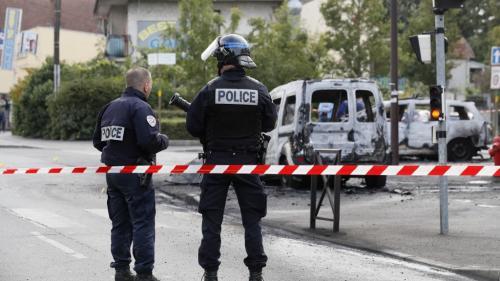 Policiers brûlés à Viry-Châtillon en 2016 : on vous résume les révélations de Mediapart sur l'affaire