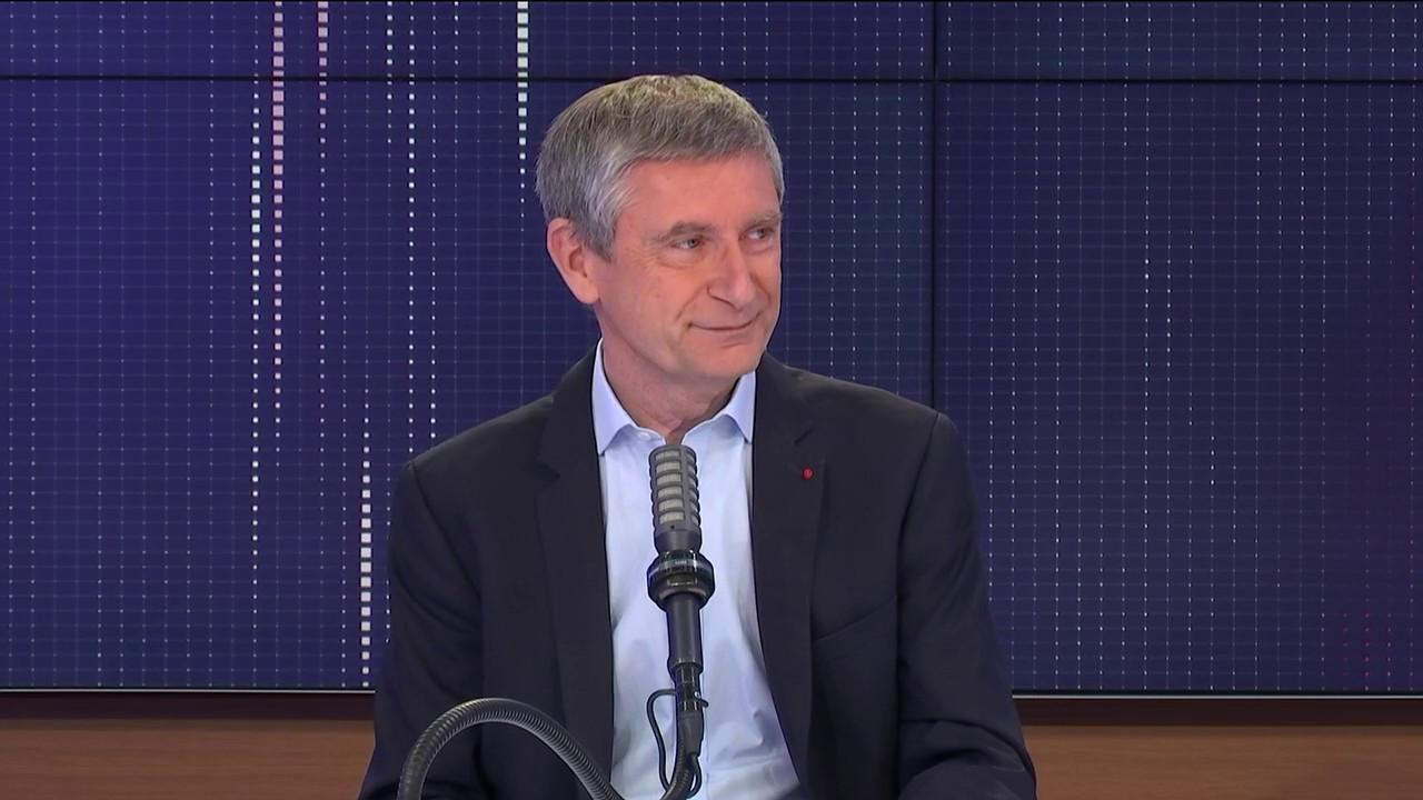 """Policière attaquée à La Chapelle-sur-Erdre, politique carcérale… Le """"8h30 franceinfo"""" de Frédéric Péchenard"""