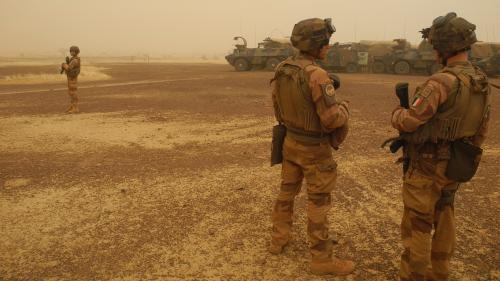 La France suspend ses opérations militaires conjointes avec les forces maliennes