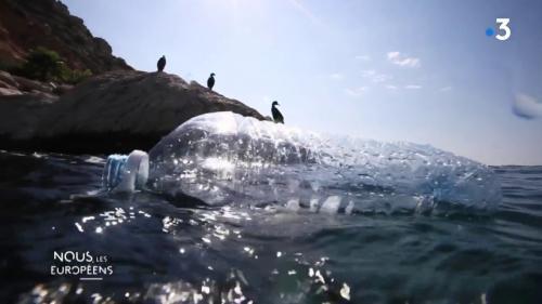 VIDEO. Espagne : des pêcheurs ramassent les déchets en plastique qui mettraient des siècles à disparaître sans leur action collective