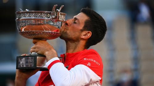 """Image de couverture - VIDÉO. Roland-Garros 2021 : """"un rêve qui se réalise"""", revivez la réaction de Novak Djokovic après son titre à Paris"""