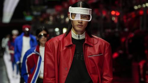 Image de couverture - Ferrari lance sa première collection de mode haute couture sur les lignes de montage de ses bolides