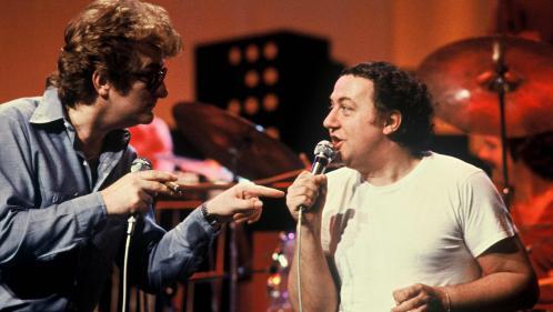 Coluche : 35 ans après sa mort, redécouvrez le chansonnier derrière l'humoriste