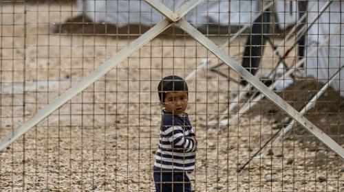 Dans une tribune parue dans Le Monde cesamedi 19 juin, 110 personnes,parmi lesquelsde nombreux artistes, demandent à la France de rapatrier les quelques 200 enfants détenus dans des camps au nord-est de la Syrie.