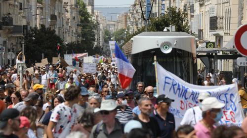 Manifestation contre le pass sanitaire: France Télévisions va porter plainte après l'agression de journalistes à Marseille
