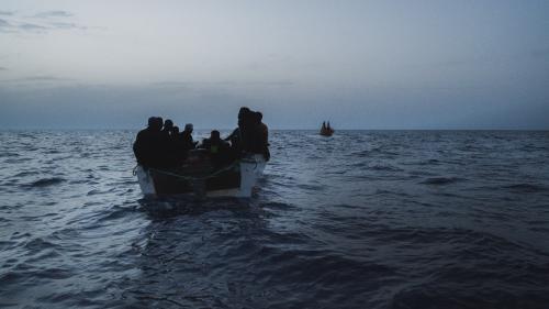 Près de 60 migrants sont morts noyés dans un naufrage au large de la Libye