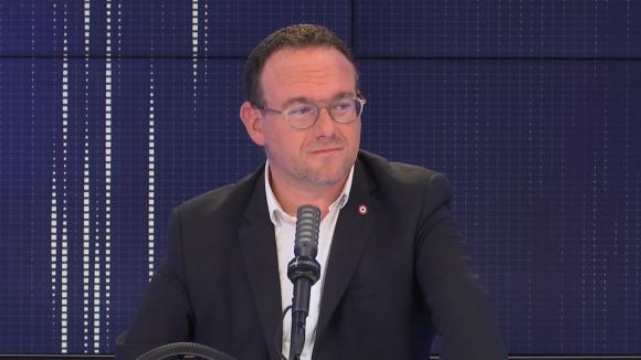 """Damien Abad, président du groupe Les Républicains à l'Assemblée nationale et député de l'Ain était l'invité du """"8h30 franceinfo"""", mardi 27 juillet 2021."""