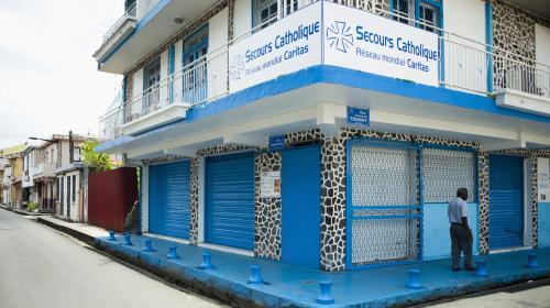 Covid-19 : la Martinique se reconfine, le CHU sous tension