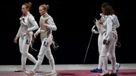 Image de couverture - JO 2021 - Escrime : battue en finale, l'équipe de France féminine de fleuret s'offre la médaille d'argent
