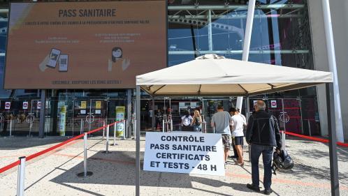 Image de couverture - Séances sans pass et tests sur place : des cinémas jonglent avec les restrictions sanitaires