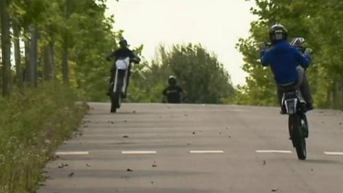 Le rodéo urbain est une pratique illégale ; des jeunes roulent à pleine vitesse sur des véhicules volés ou sans plaque d'immatriculation en faisant des acrobaties. Dans un quartier d'Amiens (Somme), le phénomène dangereux se répète chaque jour.