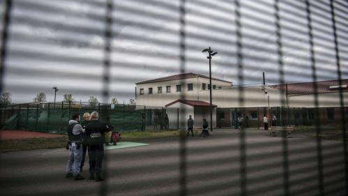 Seine-et-Marne: trois personnes s\'évadent du centre de rétention après une mutinerie