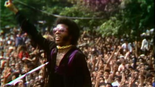 Culture d'été. En août 1969, il y a eu Woodstock... et le Harlem Cultural Festival, fondateur pour les Noirs américains