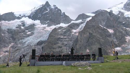 Un concert hommage au compositeur Olivier Messiaen à 2 400 mètres d'altitude, au glacier de la Meije