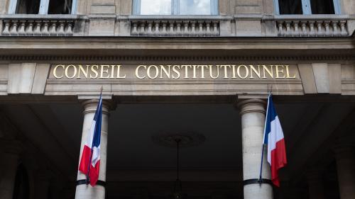 Extension du pass sanitaire : ce qui pourrait faire obstacle au passage du projet de loi devant le Conseil constitutionnel