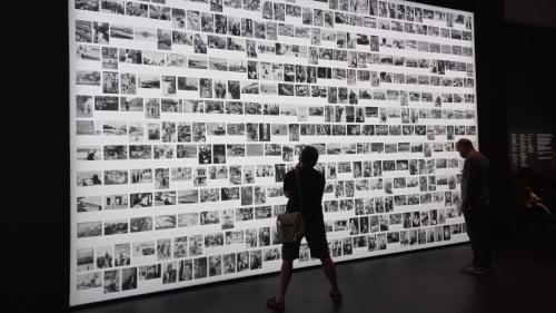 À la Bibliothèque nationale de France, cinq regards subliment les photographies d'Henri Cartier-Bresson