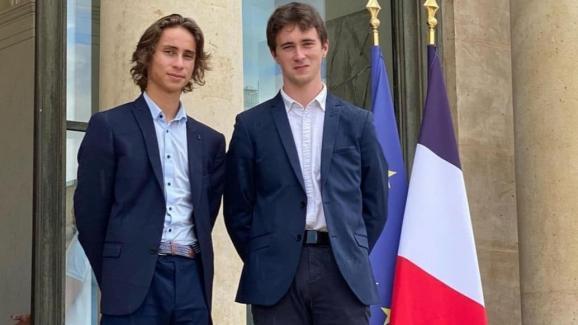 Antonin Mahé, 19 ans élu municipal à Paimpol et Victor Lavolé, 19 ans élu à Saint-Coulomb ont fondé l'Association des Jeunes Elus de France (AJEF).