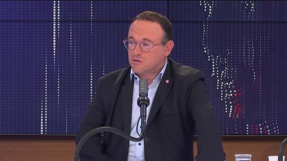 """Damien Abad,président du groupe Les Républicains à l'Assemblée nationale était l'invité du """"8h30 franceinfo"""", jeudi 26 août 2021."""