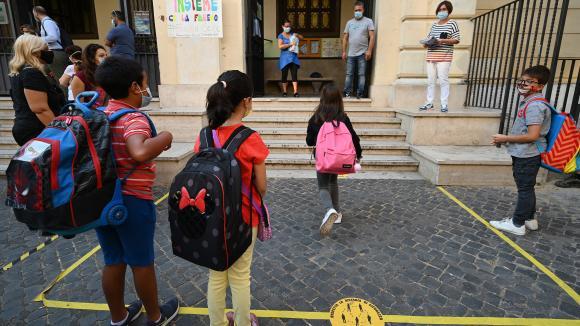 L\'Italie est l\'un des pays au monde qui a tenu ses écoles fermées le plus longtemps au pic de l\'épidémie de Covid-19. Ici, une école à Rome.
