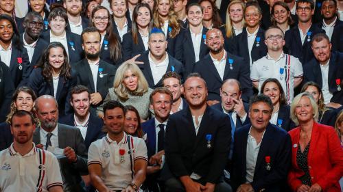 """Image de couverture - Emmanuel Macron aux médaillés de Tokyo : """"Faire beaucoup plus"""" aux JO de Paris 2024"""