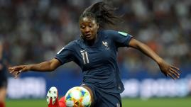 Image de couverture - DIRECT. Éliminatoires de la Coupe du monde féminine 2023 : les Bleues mènent déjà 7-0 avant la pause, suivez Grèce-France en direct