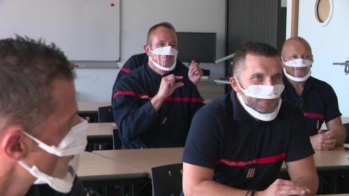 7 millions de Français souffrent de déficiences auditives. Pour mieux les prendre en charge en cas d'accident, les pompiers s'initient à la langue des signes. Des formations sont dispensées dans plusieurs régions dont le Doubs. #IlsOntLaSolution