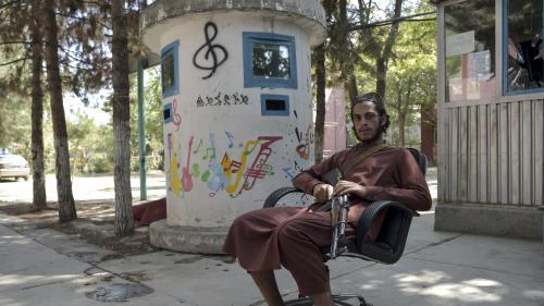 Se sentant menacés, les musiciens de Kaboul fuient en abandonnant leurs instruments