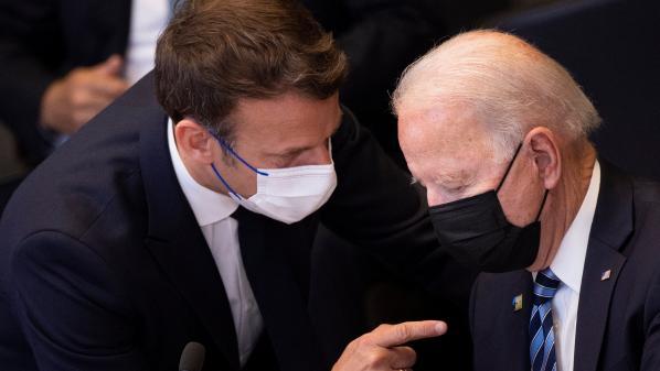 Crise des sous-marins : réunion de crise à l'Élysée avant l'entretien téléphonique d'Emmanuel Macron et Joe Biden