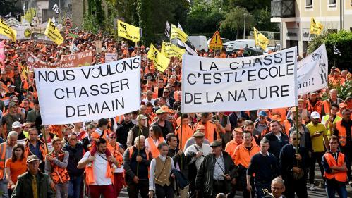 Les chasseurs se sont mobilisés pour défendre les chasses traditionnelles dans plusieurs villes de France samedi 18 septembre.