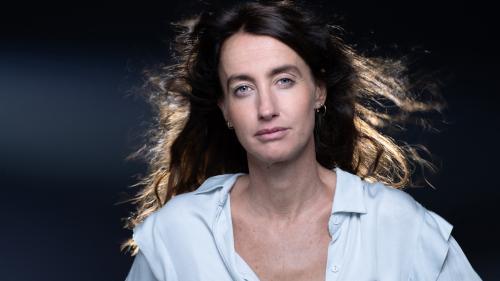 """Image de couverture - """"Feu"""" : Maria Pourchet revisite brillamment le roman d'amour dans une farce désespérée"""